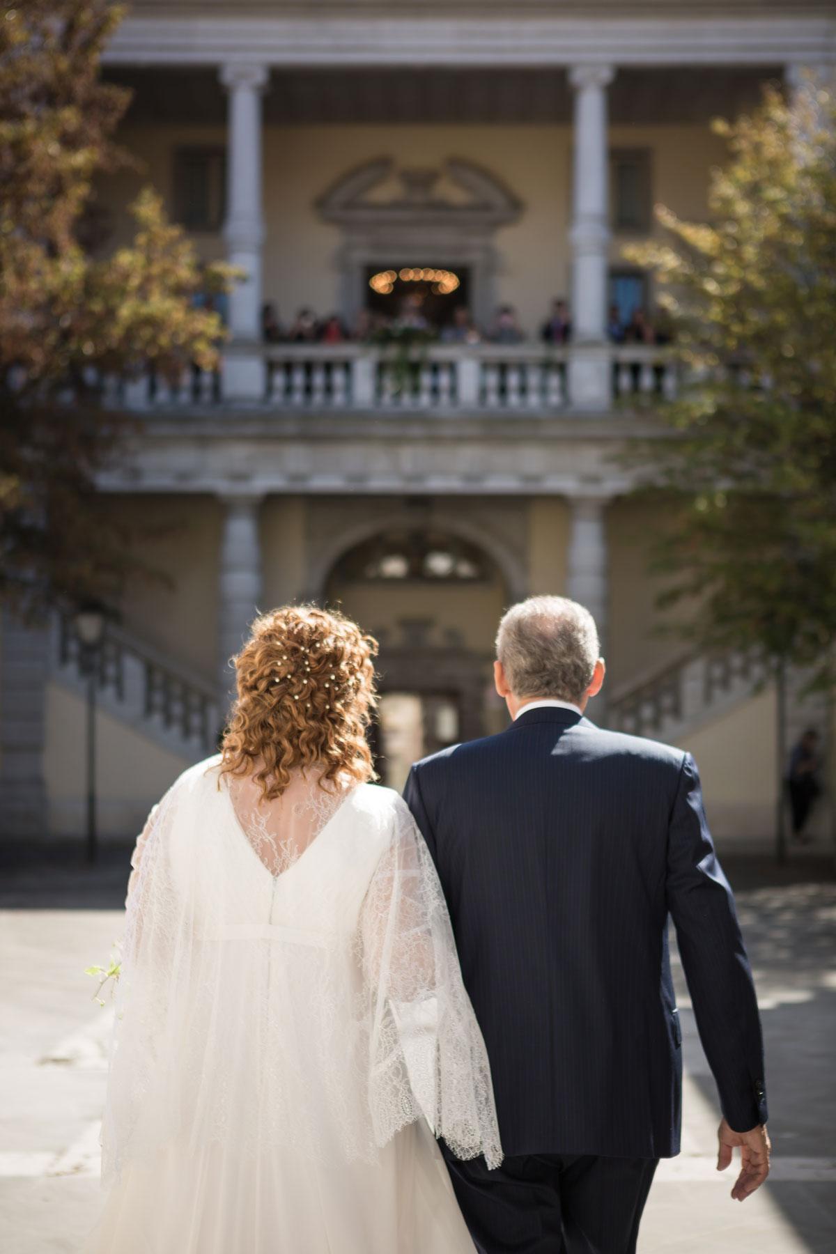 fotografo di matrimoni a padova, sposi verso l'altare